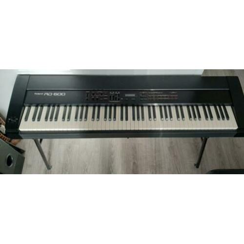 Roland RD-600 stage piano Japan 88 note PA-4 hammer action